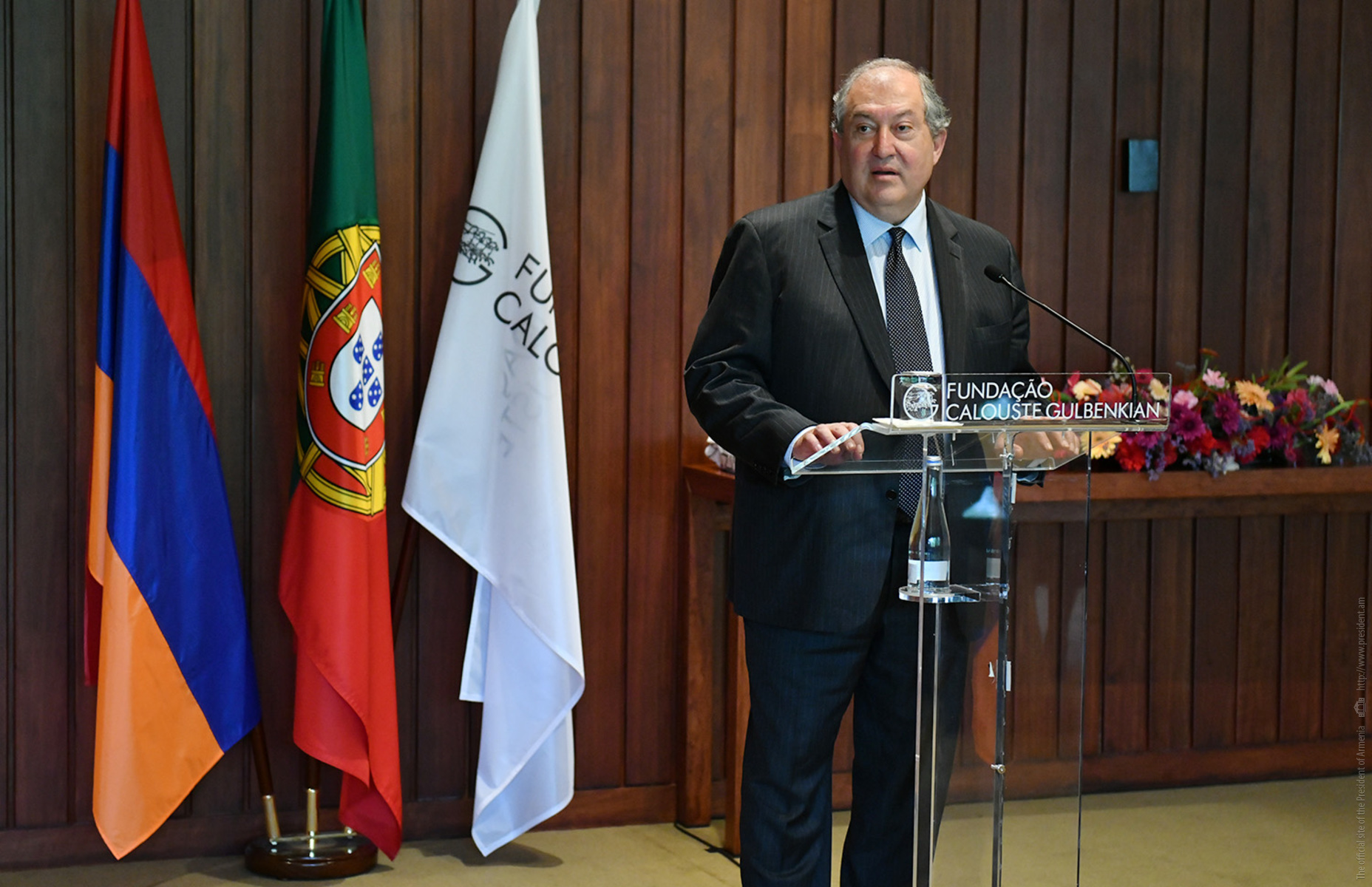 Armen Sarkissian met with the Armenian community of Portugal: Each